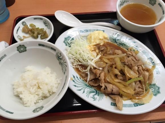 日高屋の生姜焼き定食(半ライス)です