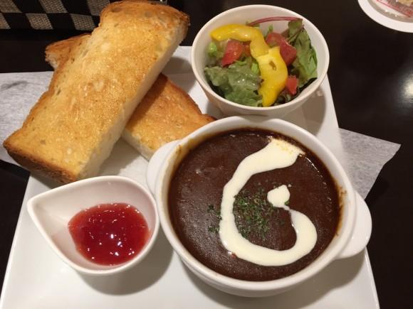和蘭豆(らんず)サンライズ蒲田店の人気メニュービーフシチューランチです