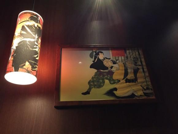 麺屋武蔵 蒲田店の店内のスポットライトです