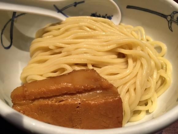 麺屋武蔵 蒲田店のつけ麺の麺のチャーシューです