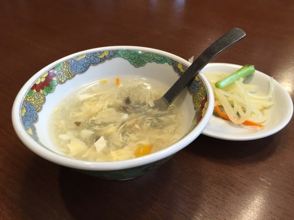 羽根付きギョーザで有名なニーハオ 恵馨閣の麻婆茄子定食のスープも美味しい