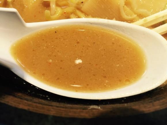北海道らーめん「楓 京急蒲田店」のみそらーめんの味噌スープです