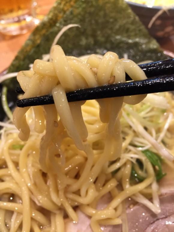「横浜家系ラーメン 大森家」のネギラーメンの太麺がとっても好きです