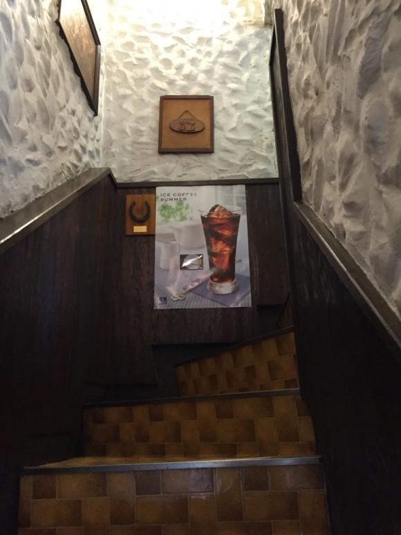 喫茶店「グッディ」は階段上がった2階にあります