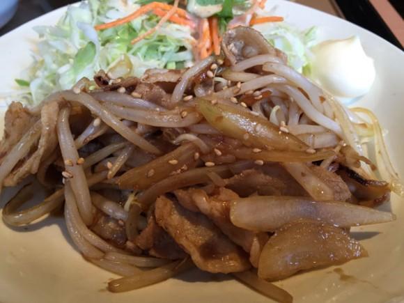 「やよい軒 蒲田店」でのランチ「しょうが焼定食」のアップです