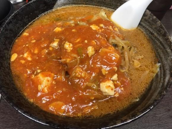 辛いタンメンで有名な「旨辛タンメン 荒木屋」の「味噌麻婆麺」です