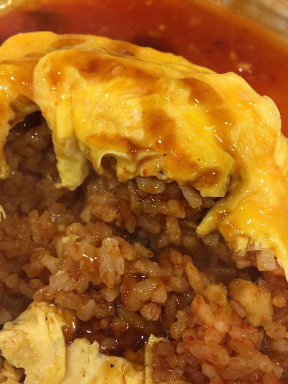 「洋食亭 おおはし」の「オムライスと海老フライデミチリソース」のオムライスは美味しいです