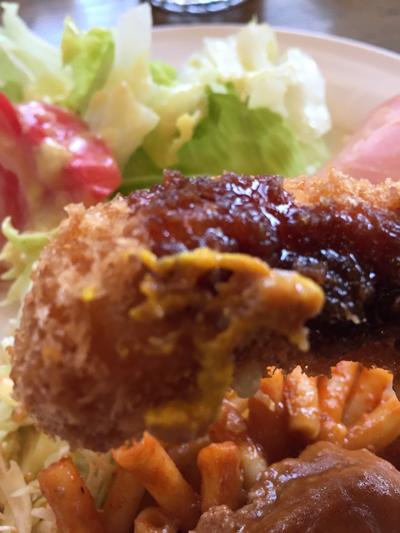 地元の有名店である洋食レストラン「ホクエツ」の「Aランチ」のエビフライです