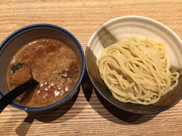 蒲田駅ビルのグランディオ東館の「つけ麺屋 銀次郎」の定番つけ麺です