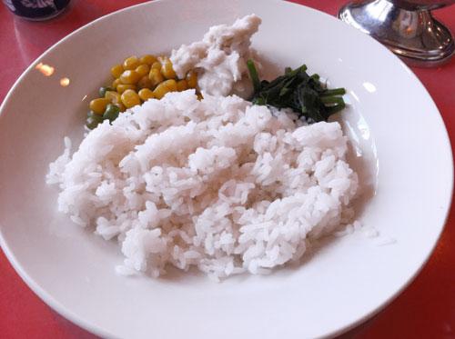 大森洋食ランチ「レストラン西堀」の日替わりランチメニュー「ビーフシチュー」のライスです