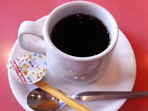 大森洋食ランチ「レストラン西堀」の日替わりランチには時間によりコーヒーが付きます