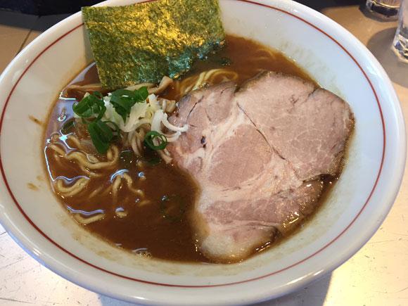 蒲田駅東口ラーメンランチ「麺匠 呉屋(くれや)」の「正油そば」です