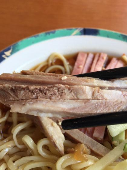 蒲田中華ランチ「中国料理店 春香園」の冷やし中華のチャーシューが美味しい