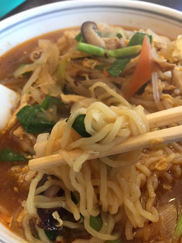 大鳥居ラーメンランチ「中華料理 北京亭」の人気No.1 「カルビー麺」の麺です