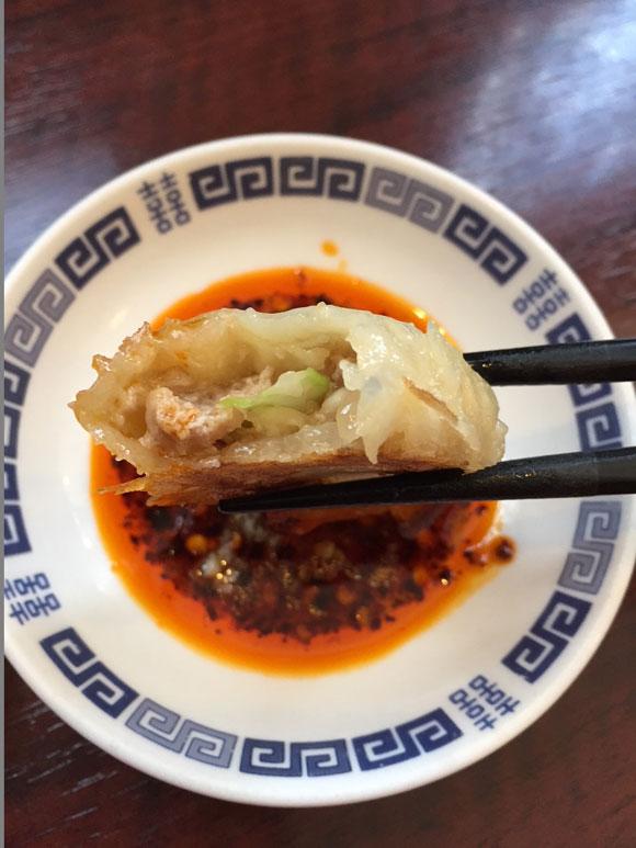 ニイハオ(你好)本店の名物羽根つき焼き餃子は肉汁たっぷり