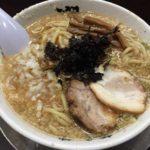 背油たっぷりスープとインパクトある極太麺「らーめん 潤 蒲田店」